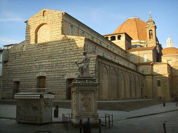 Anna Maria Luisa De' Medici, Michelangelo e la facciata di ...